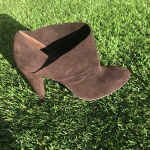 Coach Astrid Brown Suede Ankle Bootie /8.5B
